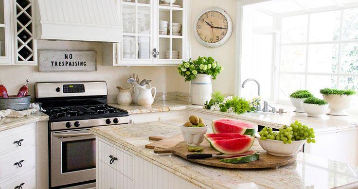 una cocina con un toque maravilloso de luz natural