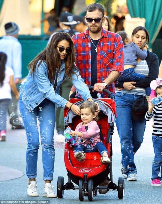 Lily Aldridge, Caleb Followill and their daughter Dixie at California's Disneyland. How cute is Lily Aldridge and Caleb Followill's daughter Dixie? January 2015