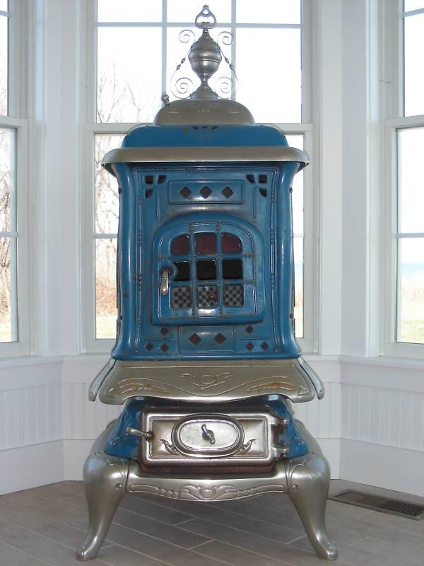 Cast iron wood burning stove. - 208 Best Wood Stoves Images On Pinterest