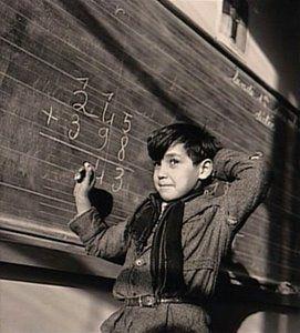 Ecole d'autrefois - Addition sur tableau noir.