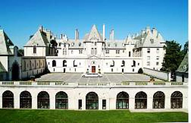 10 Long Island Attractions You Should Check Out: Oheka Castle