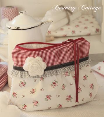 love this - great cosmetic bag idea for gift giving! Perfect match of checks, print and rickrack rose!
