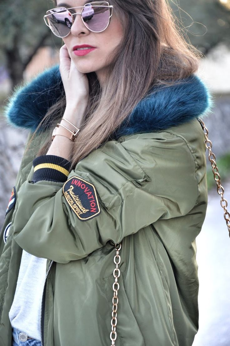 #bomber #parches #cuelllo #pelo #verde #kaki #bolso #thecode #jeans #casual #converse #lookfortime #lookbook #ootd #outfit