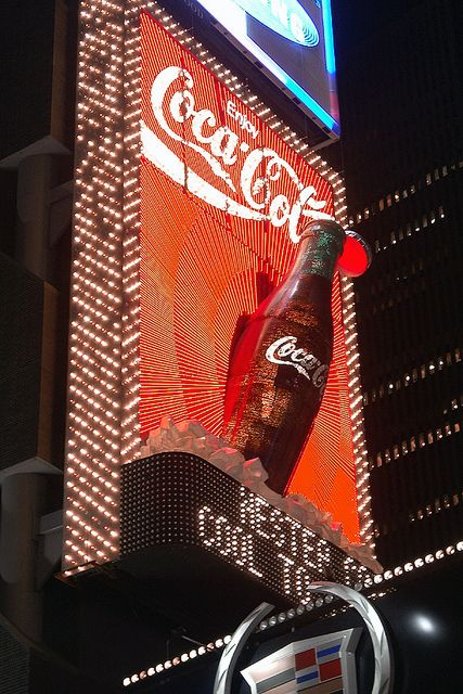 Coca Cola Advertisement, Times Square 2002, New York City repinned by www.BlickeDeeler.de