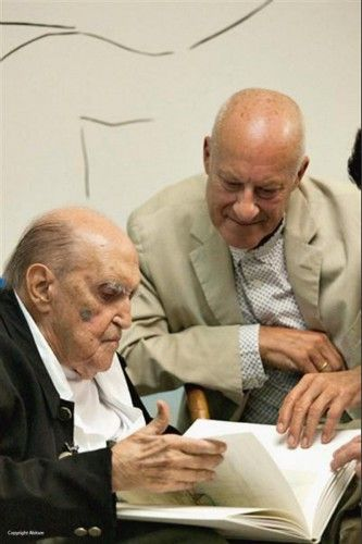 """""""He told me that architecture is important, but that life is more important."""" - Tribute to Oscar Niemeyer by Norman Foster"""