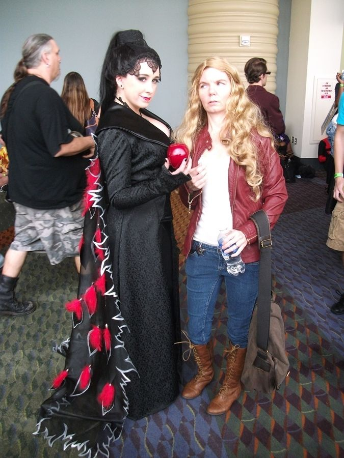 ONCE UPON A TIME Cosplay Gallery | Emma swan, Cosplay and Amazing ...