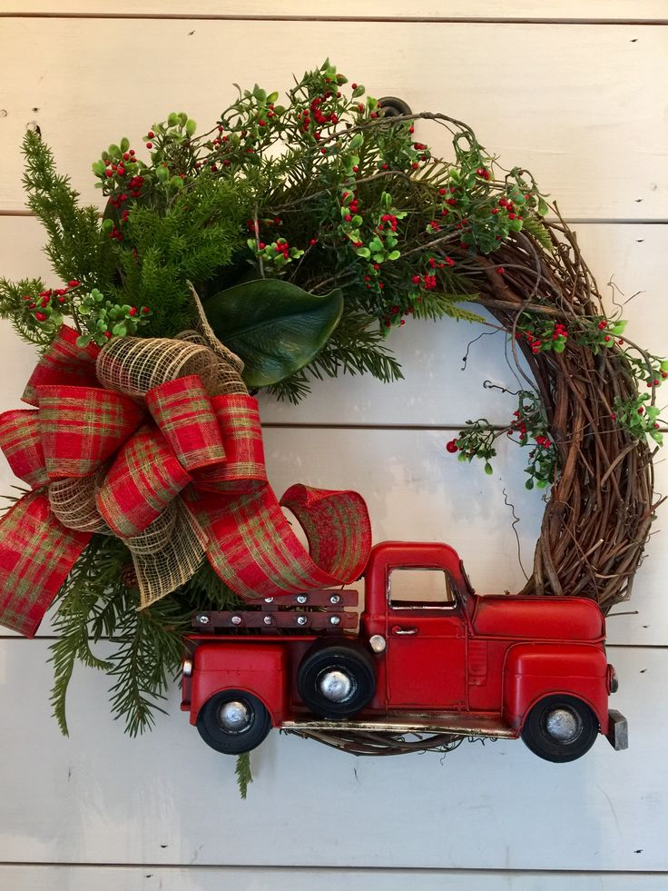 Farmhouse Christmas wreath mercantileatmulberryetsycom 74 best Red