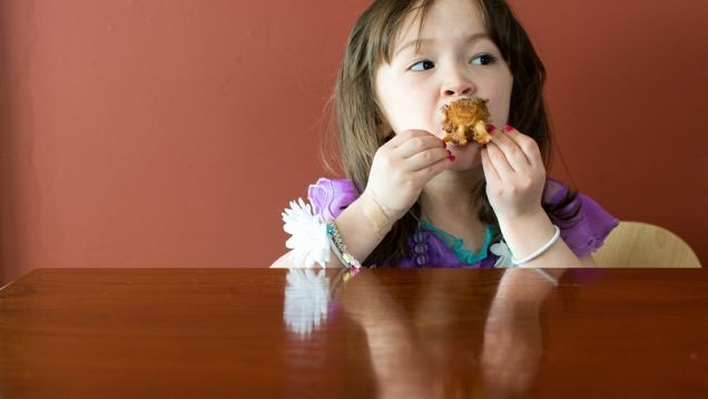 """Convert Picky Eaters Over Time With the """"Three Rs"""""""