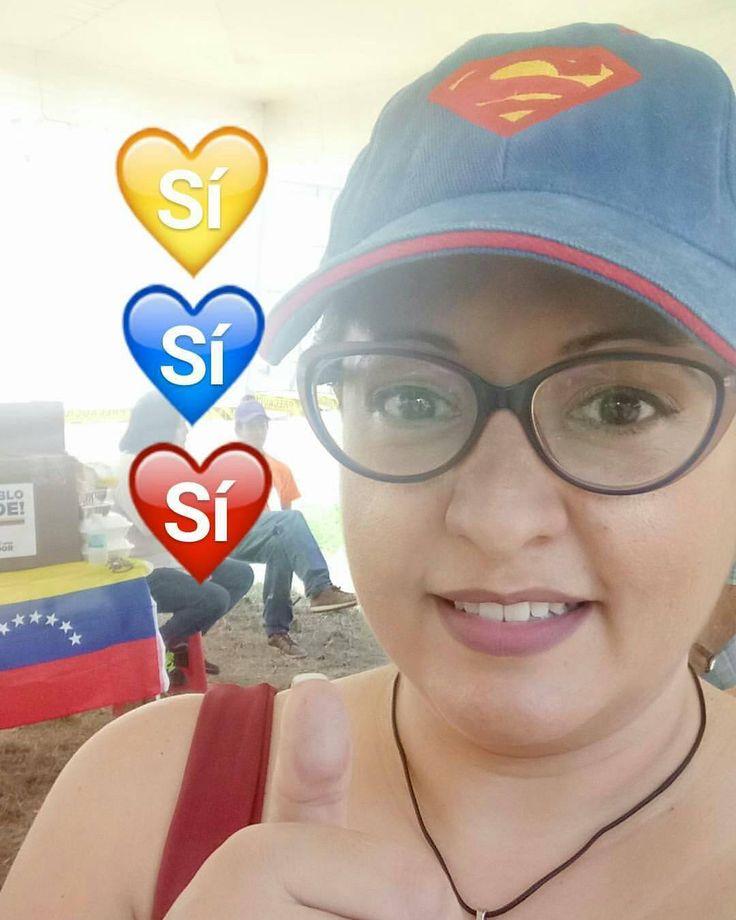 Sin que me quede nada por dentro... Yo soy mi propia #heroínaciudadana y la heroína de mi #Venezuela! (Así sin falsas modestias). _ Porque gracias a Dios tuve una formación integral desde muy niña que me hizo comprender las dinámicas sociales. Porque la calle que me dieron los #scouts el roce y el trabajo con y para gente de todos los estratos socioeconómicos no se comparan con mil bibliotecas enteras. Porque crecí ciudadana y desde la primera vez que ejercí el derecho al voto no he faltado…