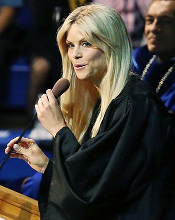 Elin Nordegren - Rollins College Graduation Speech #inspiration proof that you can never be too educated