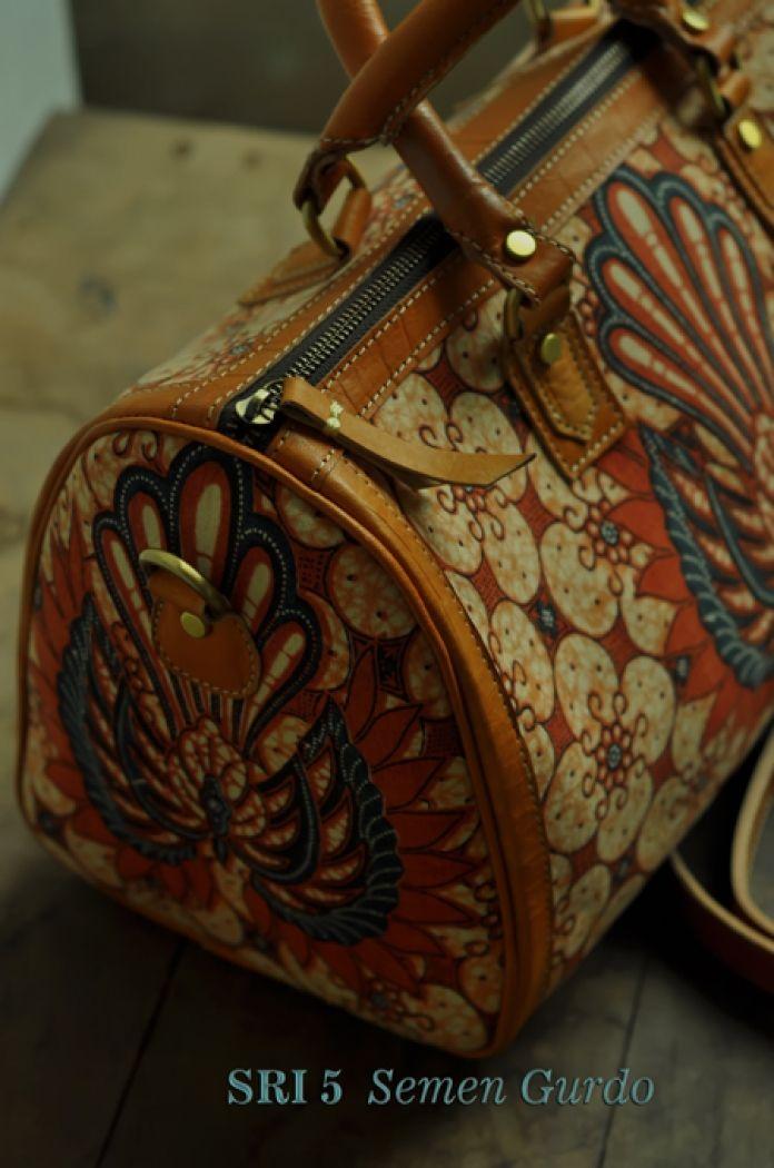 Tas Kulit Batik SRI 5 ( Speedy Bag )LONG STRAP SEMEN GURDO ( Large )
