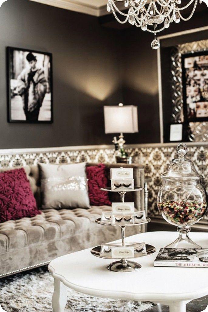 Lashfully :: Newport Beach & Beverly Hills :: Hollywood Sofa and Ottoman, Phillipe Chair, Victoria Coffee Table, Louis Style Chairs   bocadolobo.com/ #livingroomideas #livingroomdecor