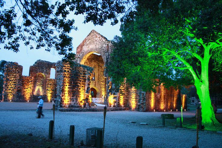 Iluminación para monumentos arquitectonicos en exteriores e interiores.