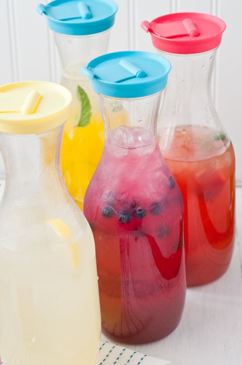 How to Make Flavored Lemonade  |  Design Mom  #summerup