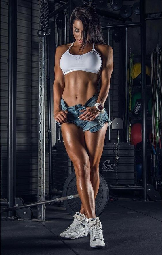 Girls with hot abs — 14