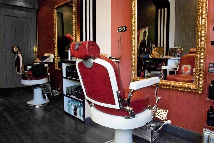 Barber Shop, probablemente la mejor peluquería para caballeros de Madrid. Trato espectacular, si vas una vez no querrás ir a otra. Avenida de América 6