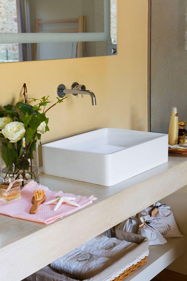 Instala lavamanos exentos al apoyarse en la encimera no for Muebles para lavamanos