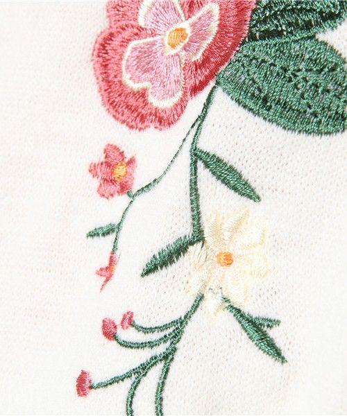 Green Parks(グリーンパークス)の「RAY CASSIN FAVORI ・RAY 花刺繍プルオーバー(Tシャツ/カットソー)」 詳細画像