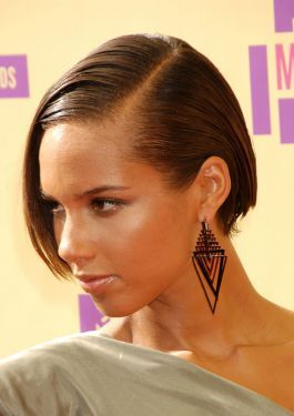 Alicia Keys Latest Hairstyle on the voice | Alicia Keys Short Hairstyles