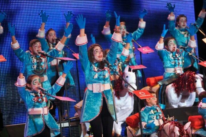 Murga Infantil Los Retorciditos, en la Primera Fase de Murgas Infantiles. Carnaval Santa Cruz de Tenerife 2013: Tenerife 2013, Murga Infantil, Infantil Los, Primera Fases, Los Retorcidito, Turquoise Blue Cross, Santa Cruz, Carnaval Santa, Cross
