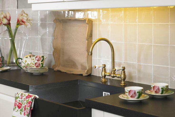 Rechte keuken. Kastdeurtjes met ruitjes, sfeer! | DB Keukens