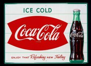 Coca-Cola cumplió 130 años, para seguir celebrando hicimos un recorrido visual por algunos anuncios clave en su historia. ¡Conócelos!