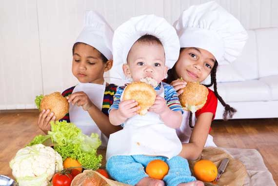 Clean Eating for Kids - lots of links to great recipe and snack ideas!
