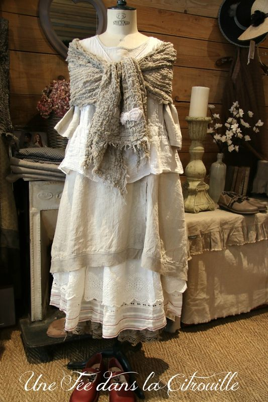 Silhouette Manon {the table/footstool in background has ruffles on slipcover, do something similar}