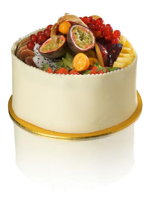 Exotic Fruit Gateau with White Chocolate