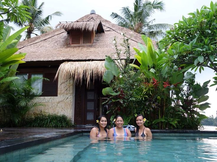 http://baliharmonyvilla.com/ Relaxing in the pool - Bali Harmony Villa Sungai