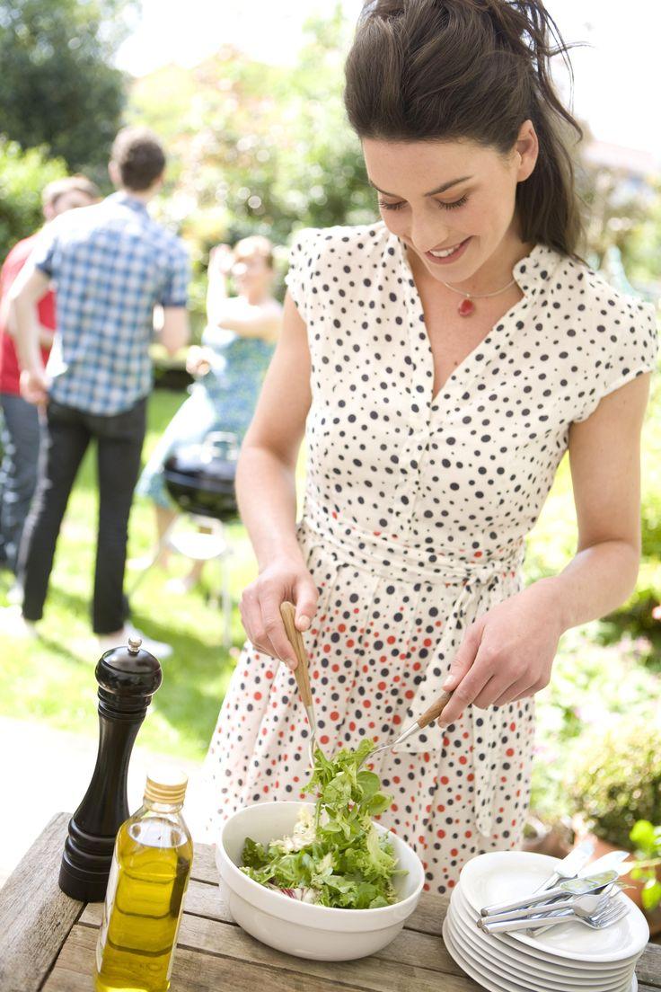 Zaterdag 4 juli gaat de vijfde editie van de Nationale Veggie BBQ-dag door. Naast de lekkerste veggieburgers en veel gegrilde groenten zijn deze bijgerechten een schot in de roos. Hier vind je de lekkerste ideetjes, zelfs als je niet zo'n fan bent van groenten!