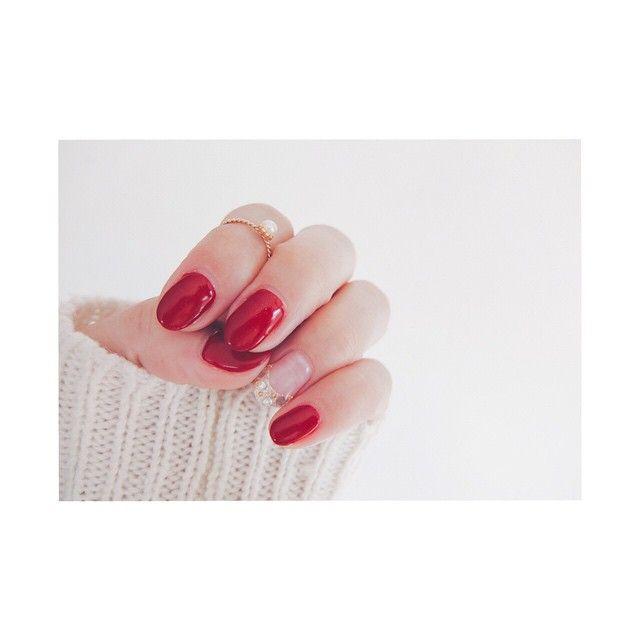 「自分でもドキっ。非日常感をくれる''血色赤ネイル''に挑戦しよう♡」に含まれるinstagramの画像|MERY [メリー]