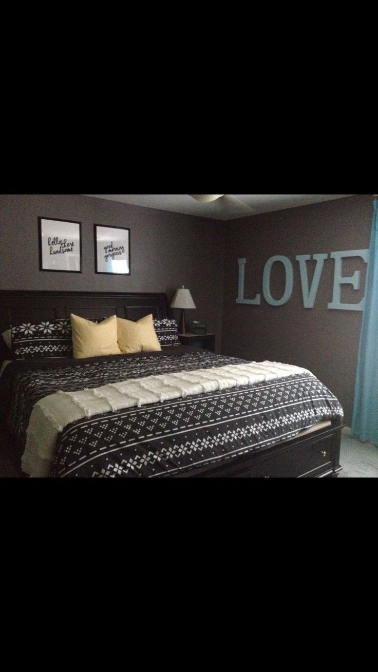 Love the pictures above bed.