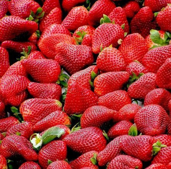Remédios naturais para a gota: morangos