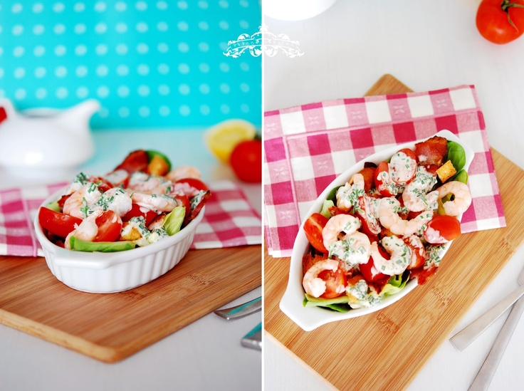Mmm, salata cu creveti: http://salate.gustos.ro/retete-bloggeri/shrimp-salad.html