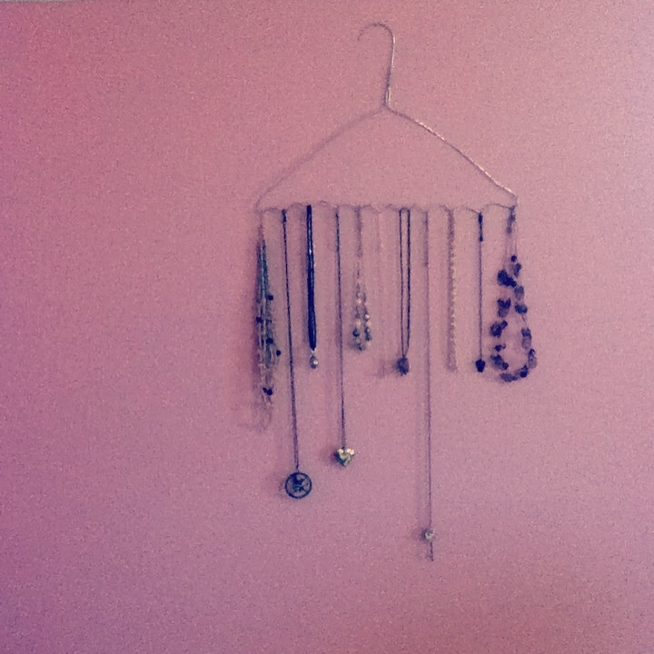 how to make a necklace hanger