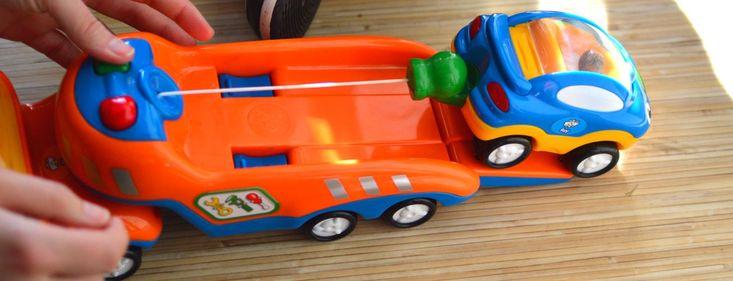 Tow Truck Tim, c'est une dépanneuse, une voiture en panne, un treuil magnétique, quelques bruitages et des personnages souriants ! #TowTruckTim #WowToys