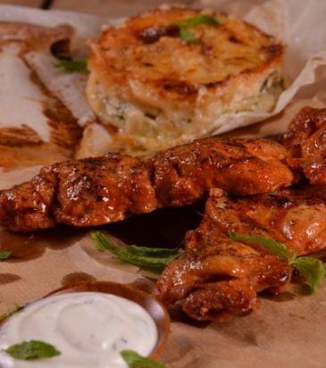 Κοτόπουλο με μπαχαρικά, σάλτσα γιαουρτιού και χανιώτικο μπουρέκι | Γιάννης Λουκάκος