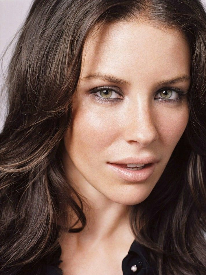 Evangeline Lilly - I'm a sucker for beautiful brunette women with blue eyes.