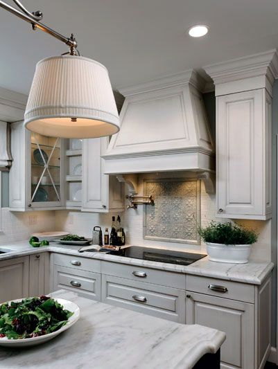 127 best images about White/Cream Kitchens on Pinterest ...