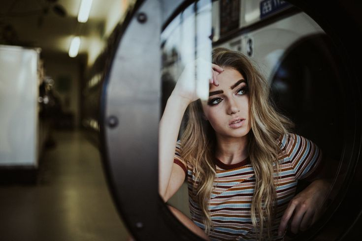 Rad portrait session with Peiton at a local Laundromat.
