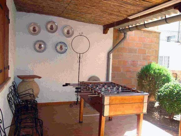 CIUDAD REAL, GRANATULA DE CALATRAVA. Casa rural Crisalva. Dispone de 4 dormitorios dobles, baño, dos aseos, cocina, salón comedor, patio, porche, jardín y #piscina privada. Situada dentro del casco urbano, a 10 km. de #Almagro y a 29 km. de #CiudadReal. Es un lugar ideal para disfrutar de la tranquilidad, la naturaleza y visitar los #YacimientosArqueológicos de la edad del bronce y Visigodo, #zonas_volcánicas, el #PantanoVegaDelJabalón, etc. #casa_rural_juegos #casa_rural_con_billar