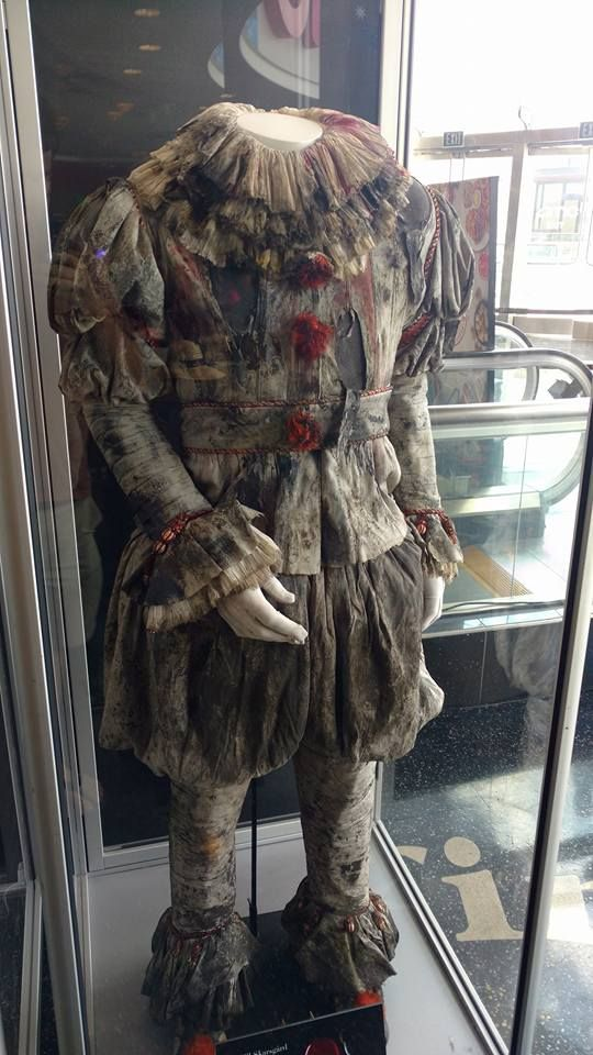 Costume for Pennywise for IT