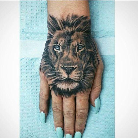 Löwe Hand Tattoo # Tattoo # Löwe # Hand Tattoo # schwarzweiß #Tattoos