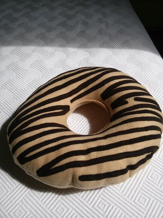 Cuscino ciambella di Rossyland su Etsy, €20.00