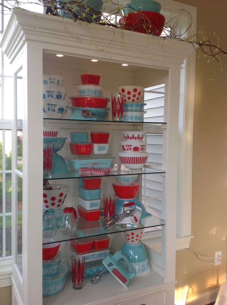 Red and turquoise Pyrex 2015