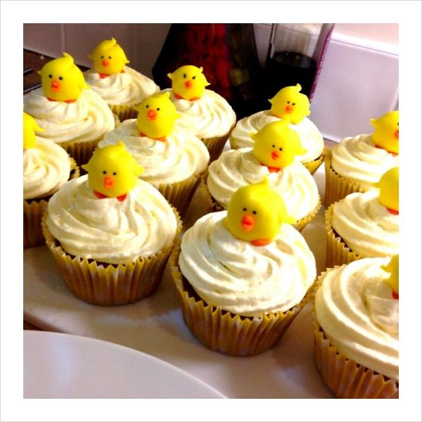 Duck Cake Decorations Uk : Making Easter Chick Cupcake Toppers Tutorial. Tutorials ...
