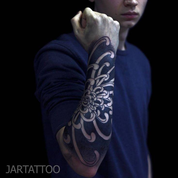 #jartattoo #linework #blackwork #tattoo #dotwork #tattoo_spb #blackart #blackworkerstattoo #blackworkerssubmission #ornamental_tattoo_designs #татуировки_в_спб #тату #блэкворк #дотворк #тату_цветы #тату_рукав