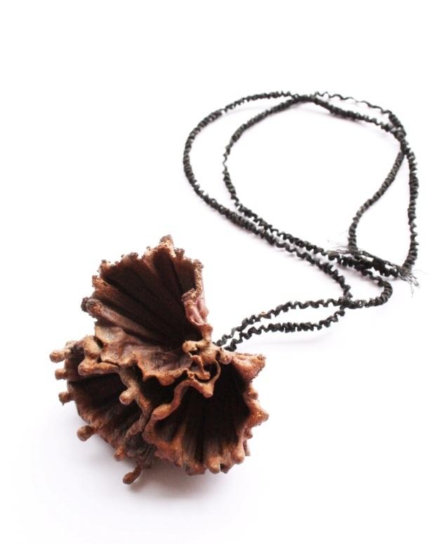 Silhouette (necklace) - Tineke Maree Jansen (2011)