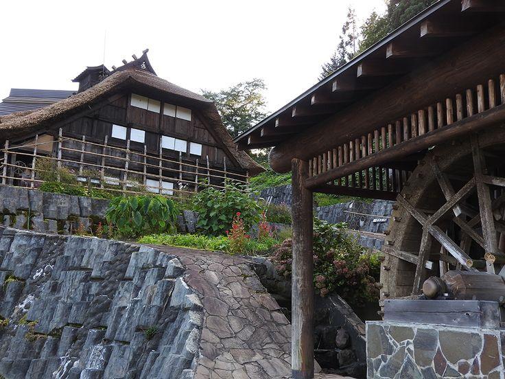 かっこいい兜造りの屋根とたくさんの昔のものたち【多層民家旧遠藤家住宅:山形県】